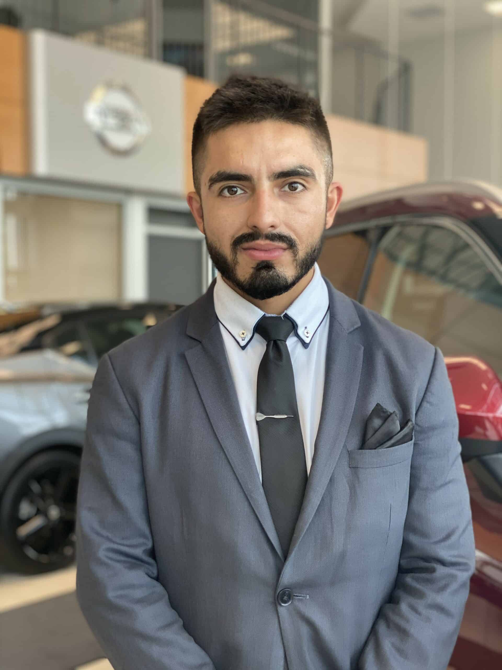 Cristhian Santamaria : Sales and Leasing Consultant