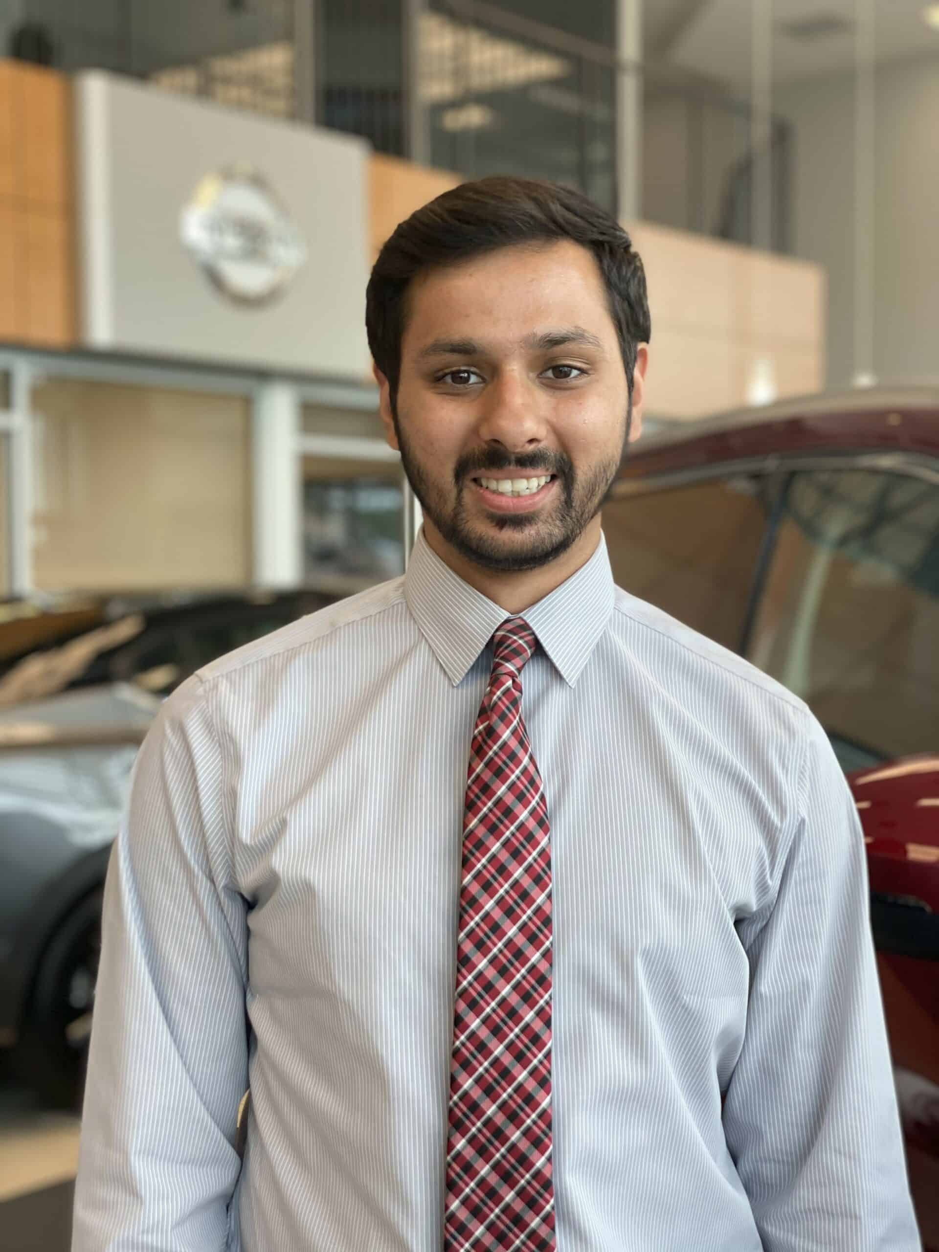 Zain Siddiqui : Sales and Leasing Consultant